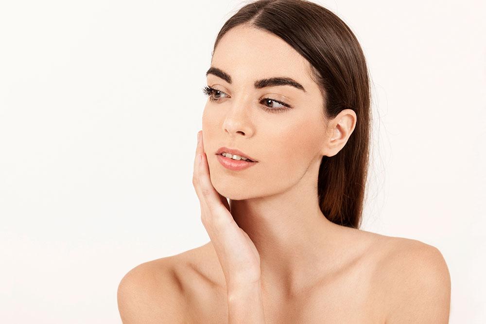 Conheça os benefícios do Sculptra® para combater a flacidez facial e corporal.